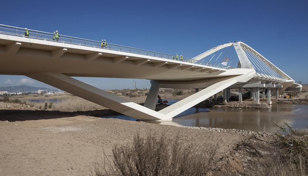 El puente arco más grande de Cataluña. España.- Copisa